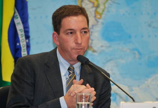Greenwald recebe documentos de Snowden e publica no Guardian