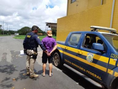 Motociclista é preso após tentar subornar policiais rodoviários no MA
