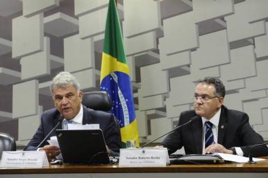 Roberto Rocha apresenta sugestões para melhorar concessão de empréstimos pelo BNDES