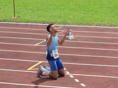 Atleta de Timon bate recorde nos 400m rasos dos Jogos Escolares da Juventude