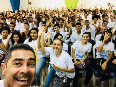 Mais de 3 mil estudantes participam do projeto que prepara para as provas do Enem