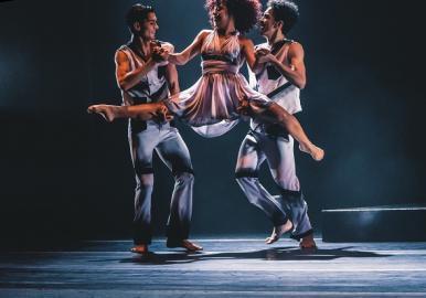Espetáculo 'Chico, Eu e Buarque' retorna ao Teatro Arthur Azevedo