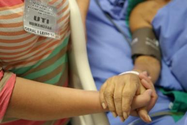 Hospital  Carlos Macieira amplia permanência de acompanhante na UTI