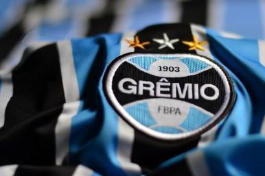 Grêmio sofre, mas vence Pachuca e vai à final do Mundial