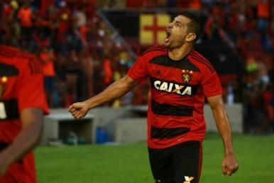Copa do Nordeste: Sport reverte vantagem e avança