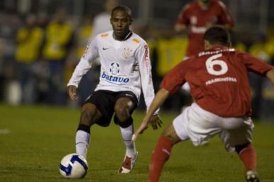 Corinthians e Inter se enfrentam nesta quarta (12) pela Copa do Brasil