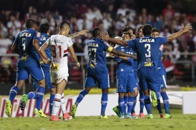 Goiás e Cruzeiro vencem jogo de ida pela Copa do Brasil
