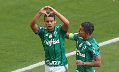Atual campeão, Palmeiras bate o Vasco na estreia do Brasileirão 2017