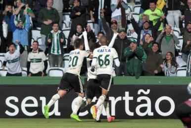 Brasileirão: Coritiba vence Atlético-GO na estreia