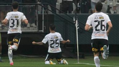 Timão volta a vencer; Cruzeiro dorme vice-líder