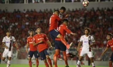 Flamengo perde por 2 a 1 para o Independiente em Buenos Aires