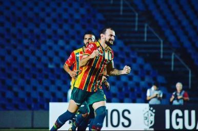 Sampaio Corrêa goleia o Salgueiro por 4 a 0 em São Luís