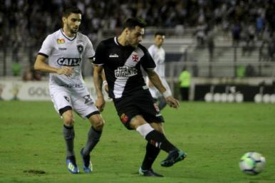 Botafogo vence o Vasco e se recupera na tabela da Série A