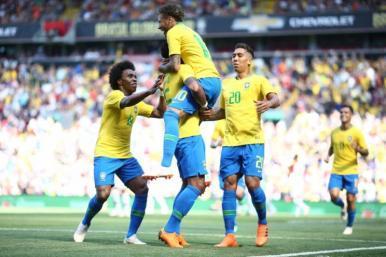 Brasil vence Croácia após entrada de Neymar no 2º tempo
