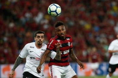 Flamengo e Corinthians decidem vaga na Copa do Brasil