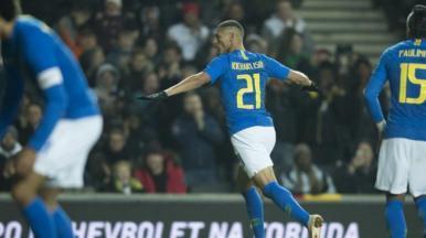 Seleção Brasileira vence Camarões no último amistoso do ano