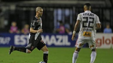 Vasco vence o São Paulo e se afasta da zona de rebaixamento