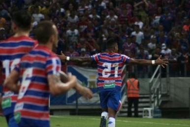 Fortaleza goleia o Vitória e avança às semifinais da Copa do Nordeste
