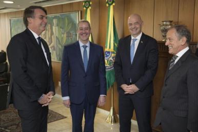 Presidentes da CBF e FIFA se reúnem com Jair Bolsonaro em Brasília