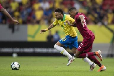 Neymar está desconvocado da Seleção Brasileira por lesão