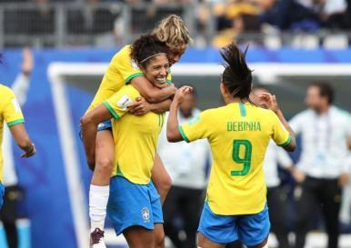 Seleção Brasileira Feminina mantém 100% em estreias de Copa do Mundo