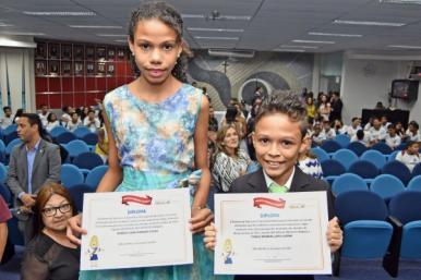 Prefeito e vice-prefeita Criança de São Luís são diplomados em solenidade no TRE