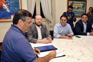 Governo e Prefeitura assinam ordem de serviço para obras no Socorrão II