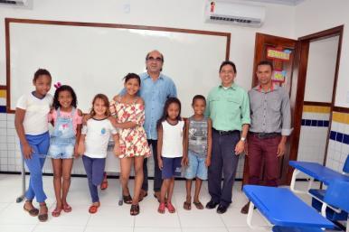 Prefeitura entrega escola reformada, ampliada e climatizada no Inhaúma