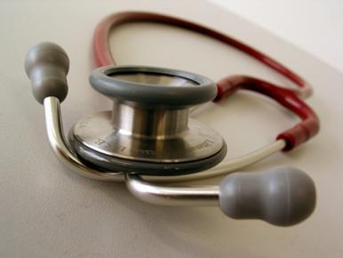 Médicos do SUS suspendem atendimento no Maranhão e mais 11 estados