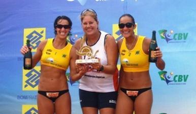 Campeões do Circuito de vôlei do BB: Josi e Thaís/Benjamim e Bruno