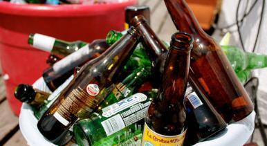 Decreto proíbe a venda de bebidas em garrafas de vidro durante o São João