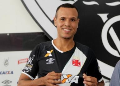 Luís Fabiano é suspenso por quatro jogos; Vasco pode recorrer