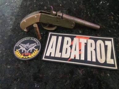 Adolescentes são apreendidos por porte de arma de fogo na Cidade Operária