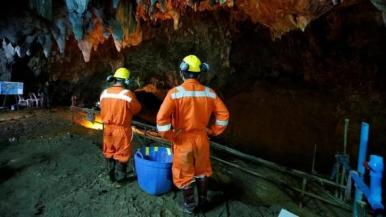 Resgate de garotos em caverna da Tailândia vai virar série na Netflix
