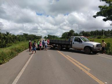 Indígenas bloqueiam a BR-316 no município de Bom Jardim