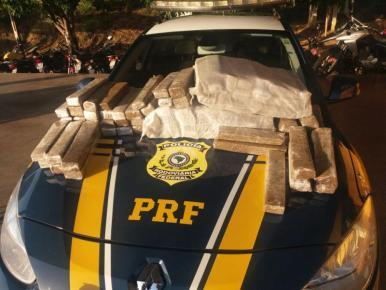 PRF apreende 80kg de maconha em ônibus interestadual em Caxias