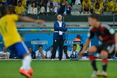 Felipão assume erro e diz que partida contra Alemanha foi a pior de sua vida
