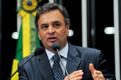 Aécio Neves se afasta da presidência do PSDB