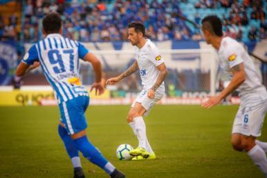 Brigando contra o Z-4, Avaí e Cruzeiro empatam na Ressacada