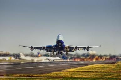 Proposta prevê sanções para desordem de passageiros em voo