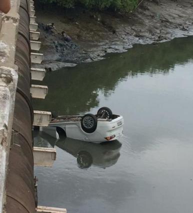 Carro despenca da ponte do Ipase, em São Luís