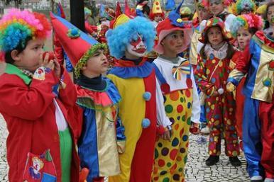 Vivas terão Carnaval de ritmos e alegria neste domingo (27)