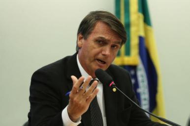 Bolsonaro anuncia 13º do Bolsa Família na semana que vem
