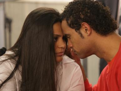 """Bruno e Ingrid Calheiros """"se casam"""" na prisão"""