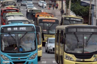 Após acordo, ônibus de duas empresas voltam a circular em São Luís