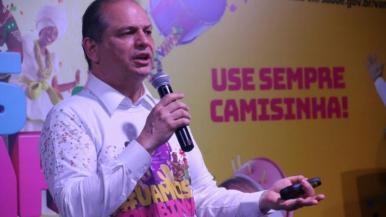 Saúde alerta folião para o uso da camisinha no Carnaval