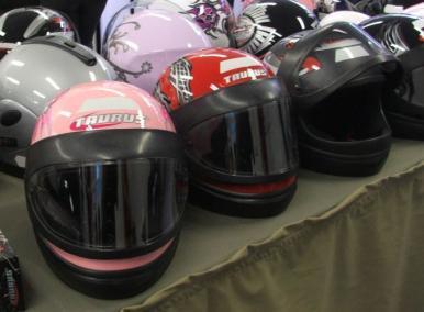 Pesquisa mostra preços de capacetes em municípios do estado