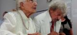 """Casal """"troca alianças"""" após 70 anos de namoro"""