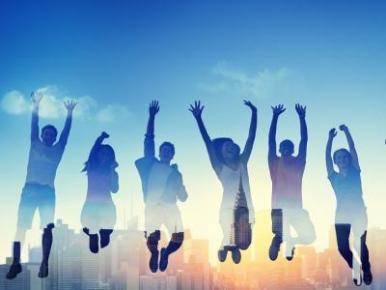 """Dia da Felicidade: """"Devemos priorizar os nossos desejos pessoais"""", diz psicóloga"""
