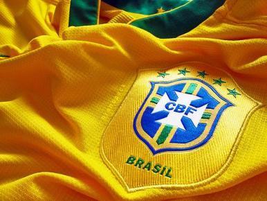 Seleção chega ao Rio sob aplausos de torcedores